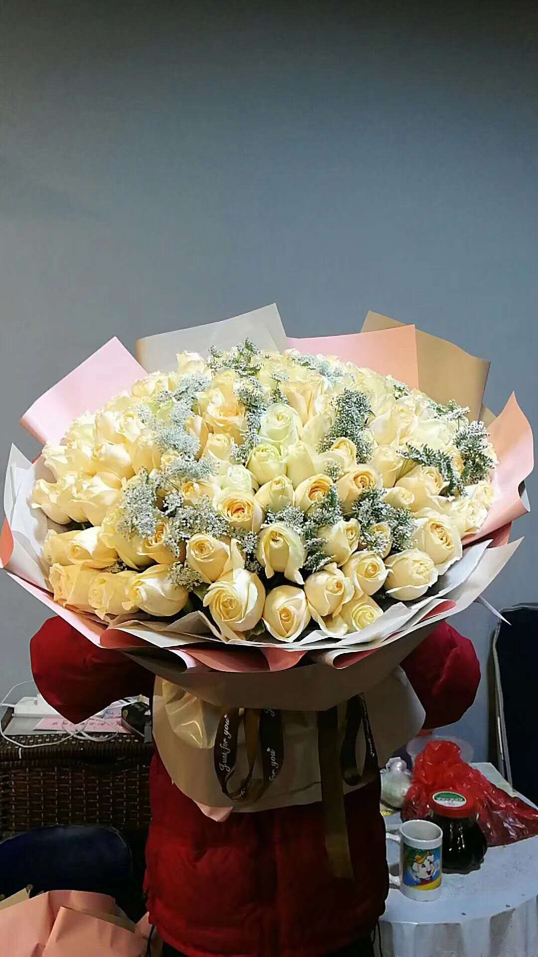 send 66 champagne roses to china